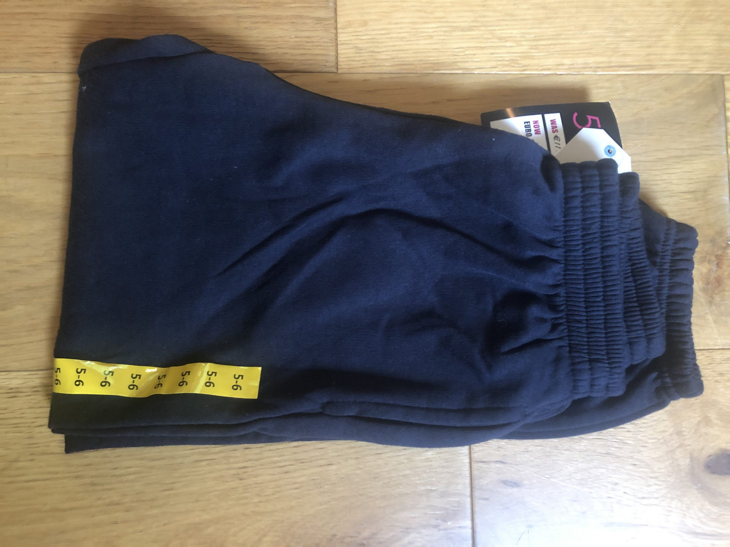Navy tracksuit bottoms age 5-6