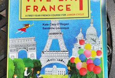 Schoolbook Vive La France 1- €6